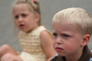 Paionti ingrijorati incredere copii tristi