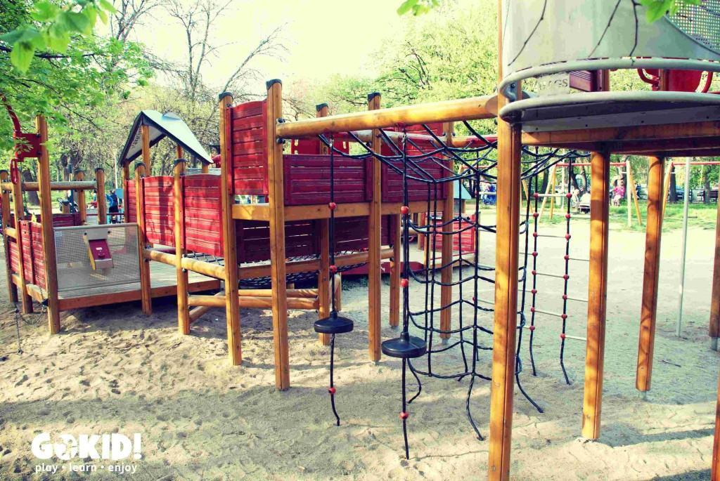 Loc de joaca cu nisip Parcul Tineretului