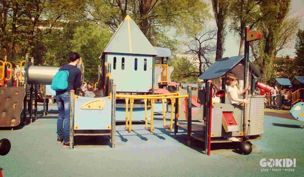 Parcul Carol locuri de joaca