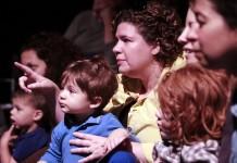 Cum şi de ce să duci la teatru copii mici si bebelusi