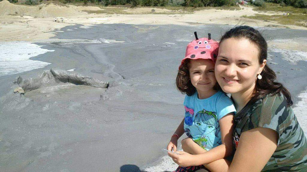 excursie-de-o-zi-în-familie-la-Vulcanii Noroioşi