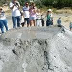 excursie-de-o-zi-în-familie-la-Vulcanii Noroioşi-Buzau