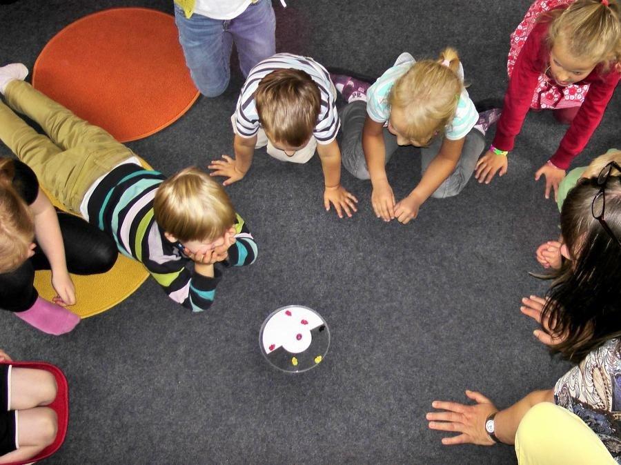 viata-usoara-cu-copilul-playgroup-copii