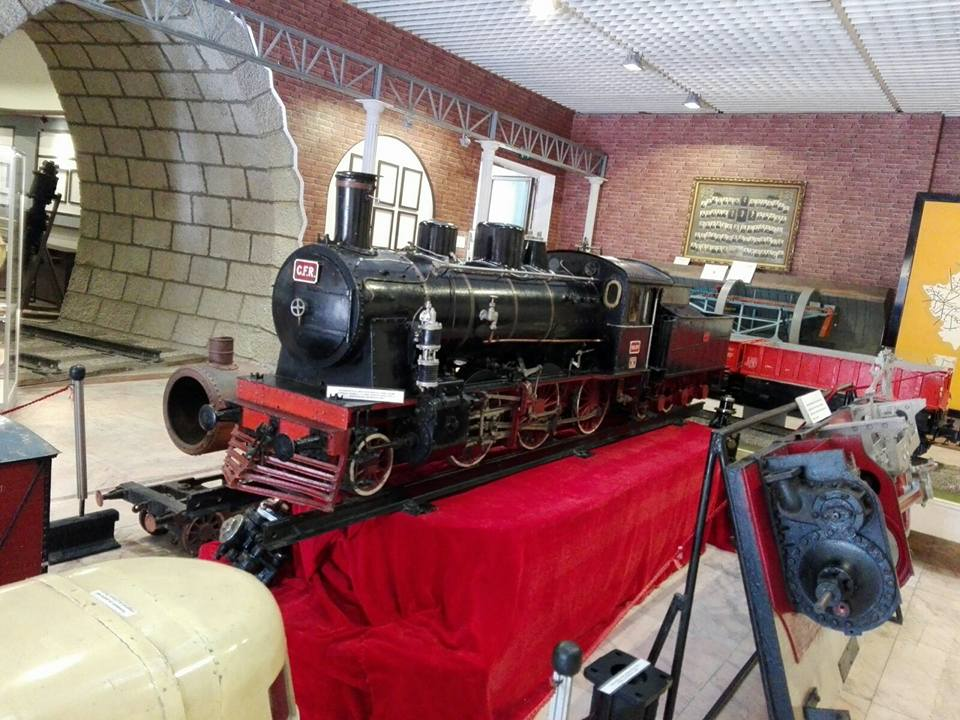 cu copilul la Muzeul CFR macheta locomotiva