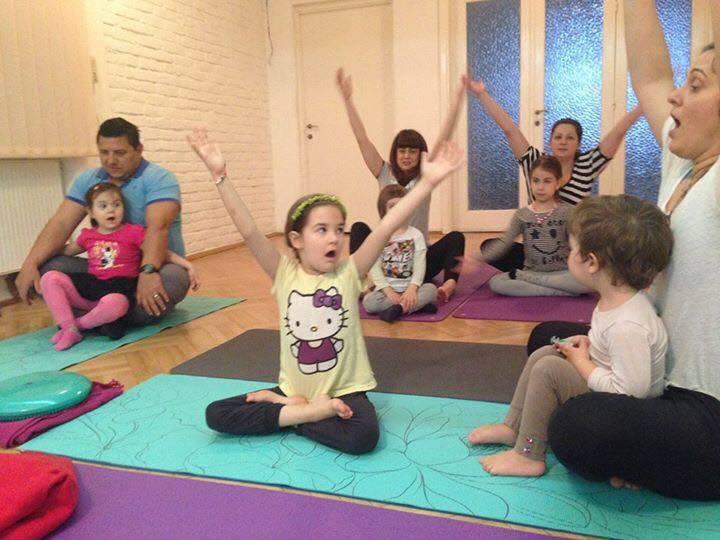 yoga familiei-cu si pentru copii