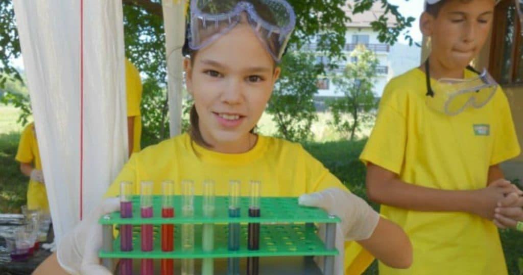 Ce Facem cu Copilul Vara Asta în București laboratorul traznit