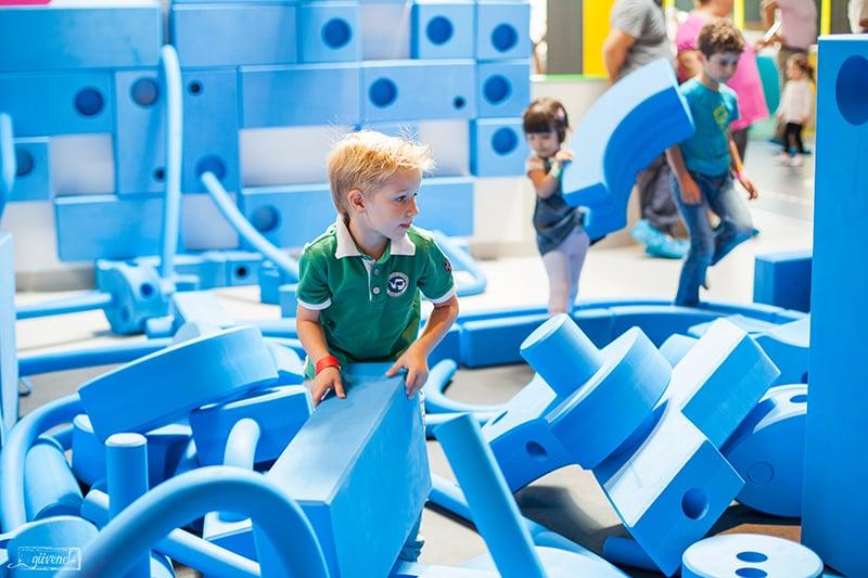 Kiddo Play Academy 4 locuri de joacă sector 1