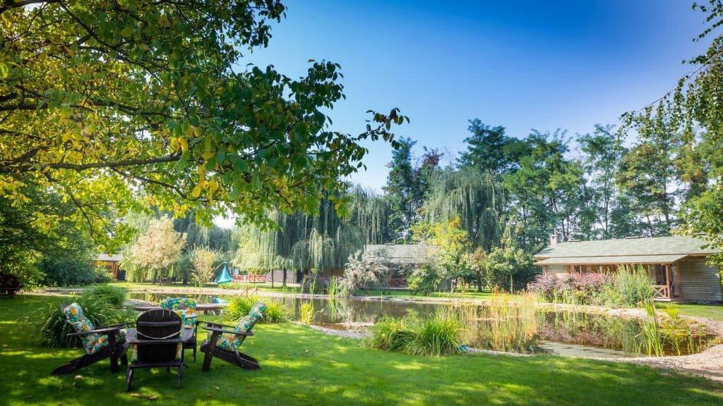 Acacia-Village-Excursii-de-Relaxare-în-Familie-helesteu