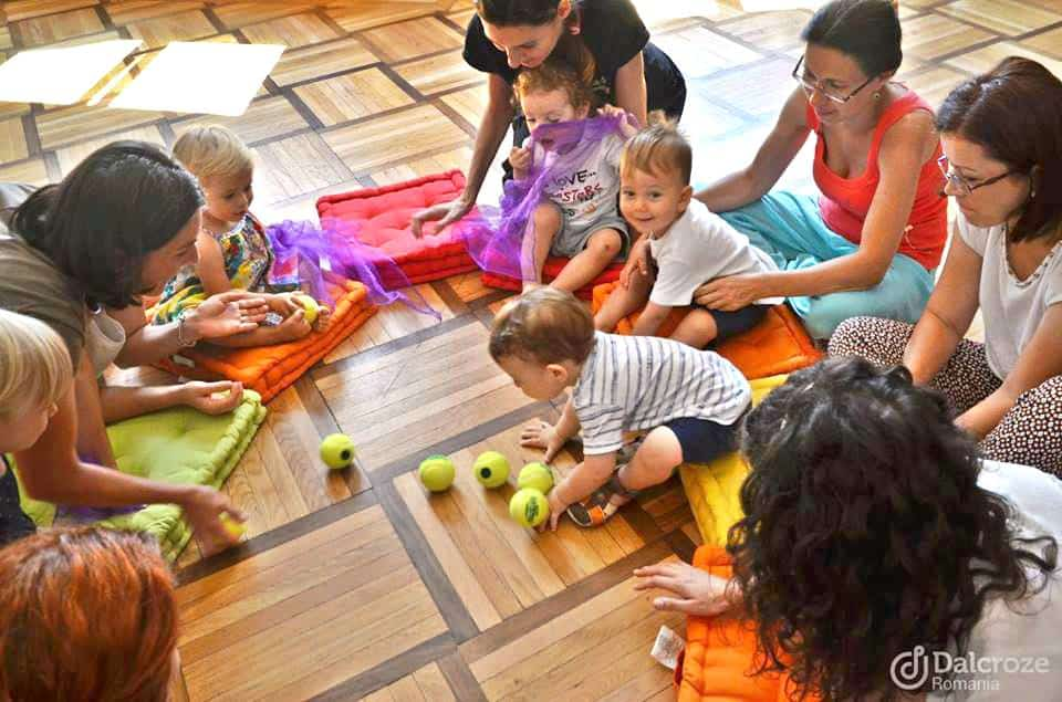 Ateliere de inițiere muzicală pentru părinți și bebeluși 0-1 an