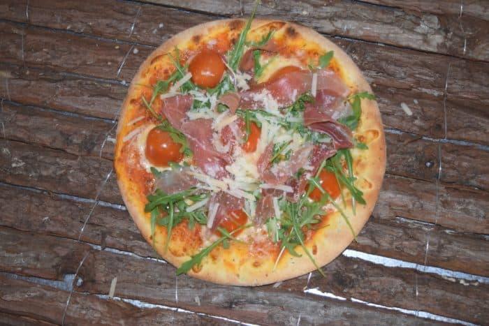 La Iris restaurant cu loc de joaca sector 6 pizza