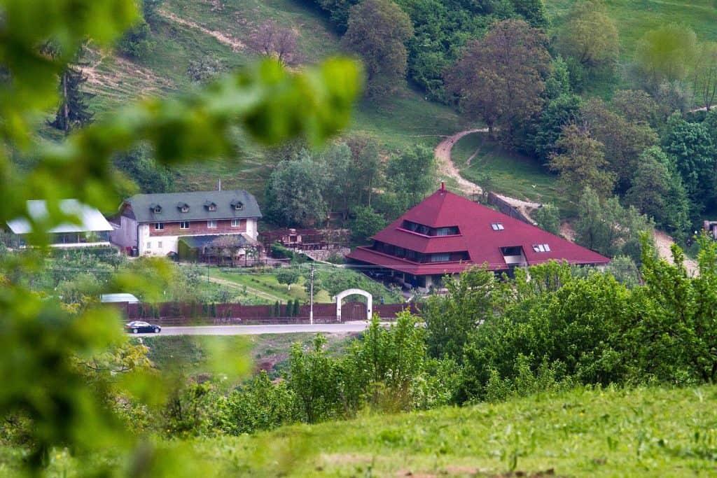 Excursii de weekend Bucuresti Ferma Club 1