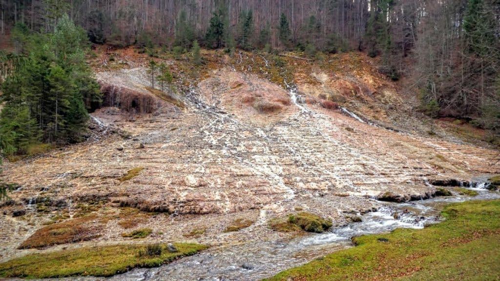 Excursii de weekend Bucuresti Pastel Chalet Cascada Urlatoarele