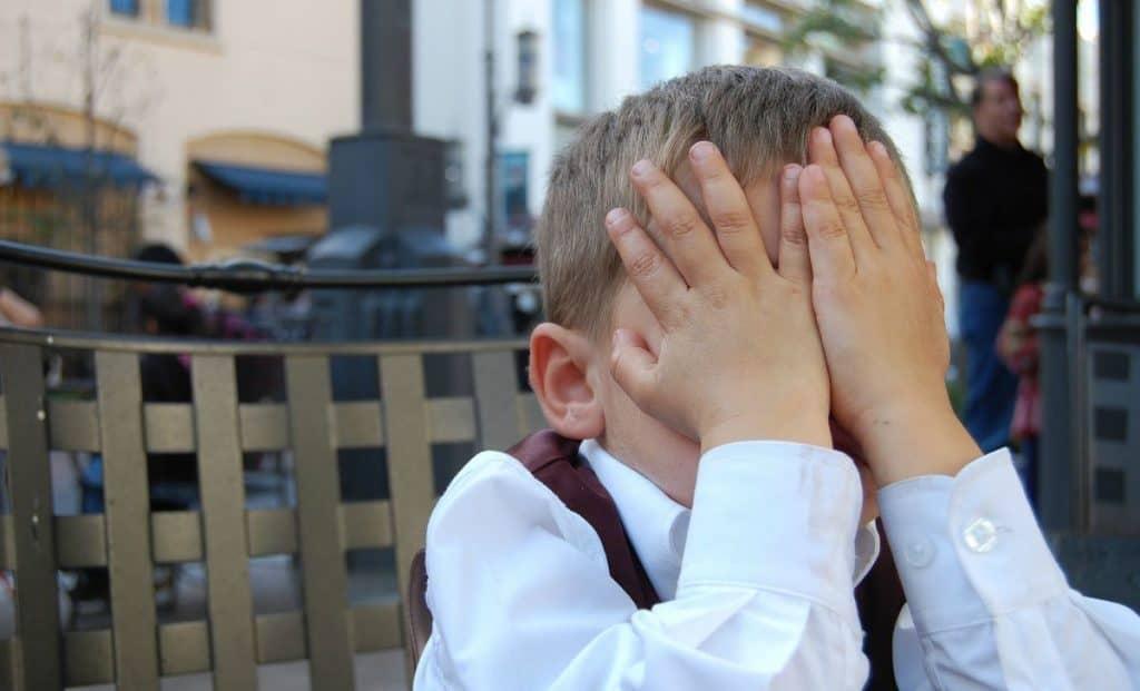 Rusinea la Copii. Cum Apar Starea de Jena Penibil Ce Putem Face pentru Copil GOKID