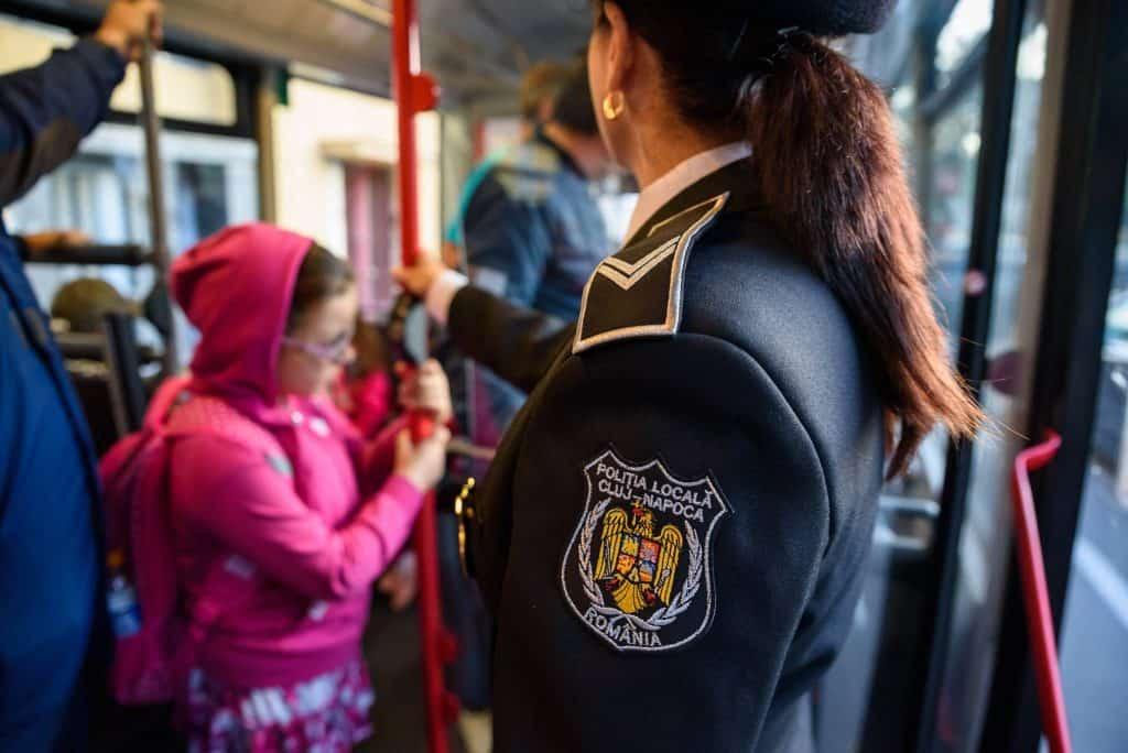 autobuz scolar cluj copii politist local