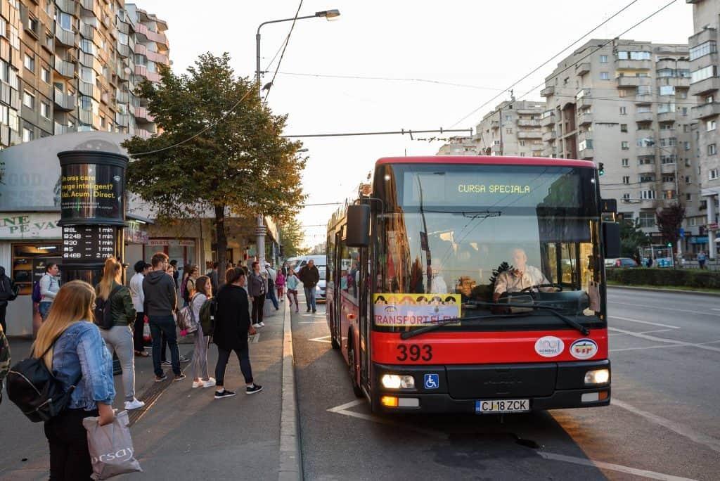 autobuz scolar cluj copii scoala statie cursa speciala
