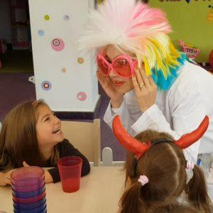 Laboratorul de Zâmbete cu Profesorul Crazy. Experimente Funny copii recuzita