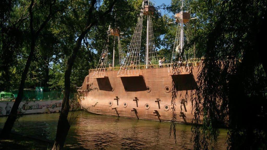 Insula Copiilor corabie
